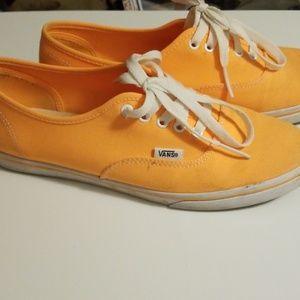 Orange VANS Off the Wall. Size 7 Men, 8.5 Women